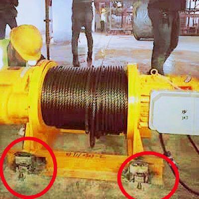 电动卷扬机底座膨胀螺丝固定