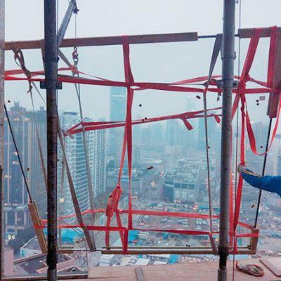 高层使用门窗玻璃吊机吊装玻璃有什么要求
