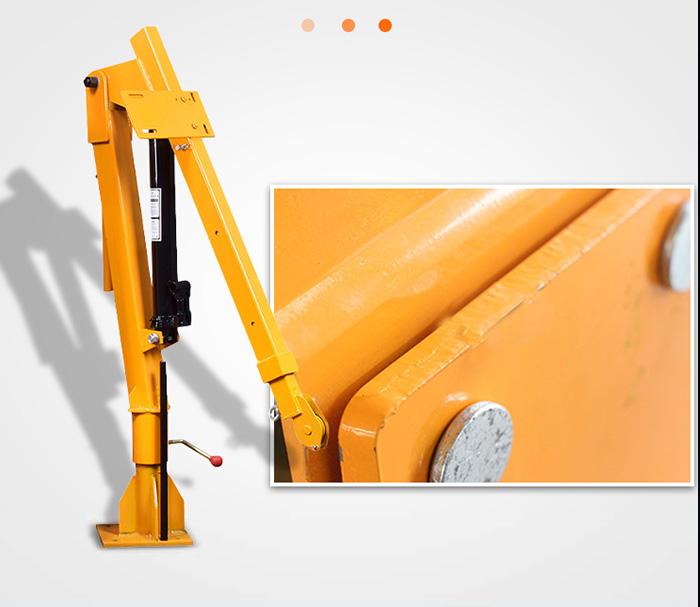 500公斤小型液压车载吊机