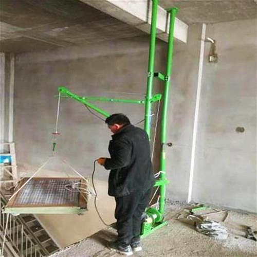 室内双柱家用小吊机吊装现场