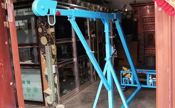 吊门窗的小型吊机